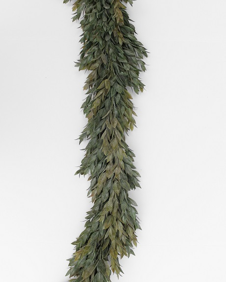 Artificial ruscus garland