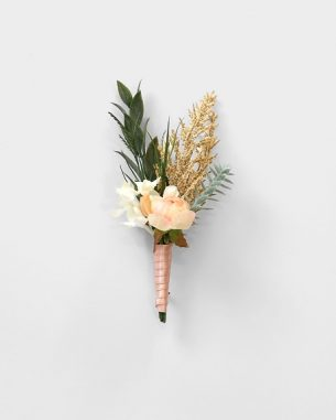 Silk wildflower boutonniere from the Oslo Collection